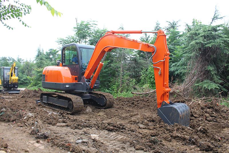 How to maintain excavator in rainy season